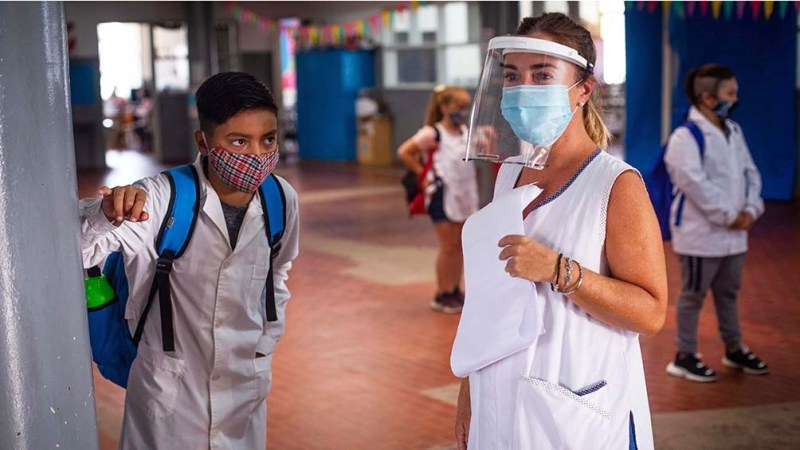 """Los docentes marcaron que consideran """"peligrosa"""" la decisión en el marco de """"la propagación del virus"""""""