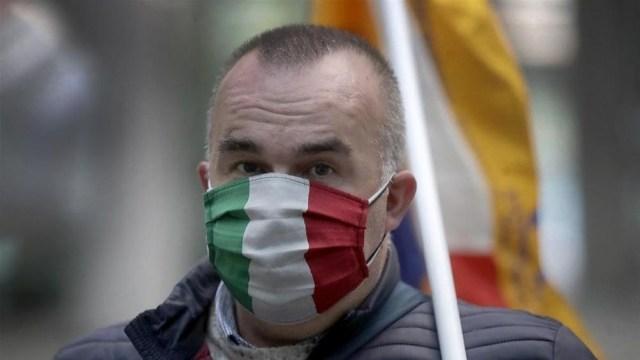 En Italia, las autoridades sanitarias informaron otras 417 muertes, y 12.916 nuevos casos en las últimas 24 horas