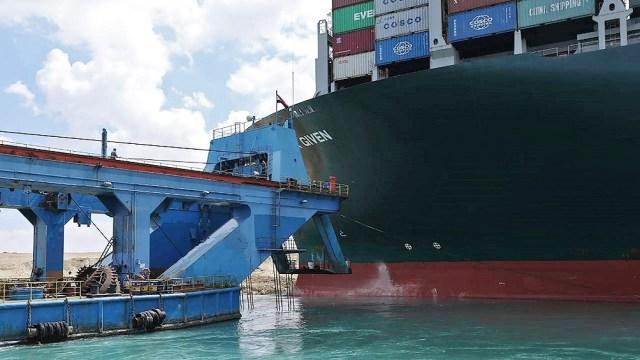 Casi 19.000 barcos usaron el Canal de Suez el año pasado.