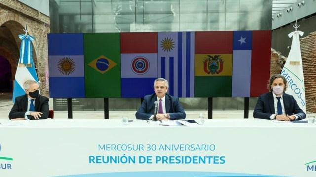 """Alberto Fernández agradeció el """"permanente respaldo"""" del Mercosur a los """"legítimos derechos"""" de la Argentina en la """"disputa de soberanía"""" con el Reino Unido."""
