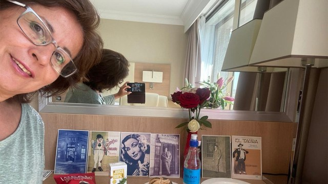 Gloria Martyniuk pasa sus días de encierros entre recuerdos y el anhelo de culminar con confinamiento.