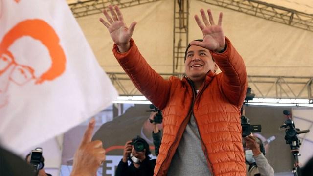 El correísta Andrés Arauz resultó ganador con 32,72% de los votos, insuficientes para evitar el balotaje. (Foto AFP)
