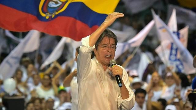 """""""Yo no voy a perseguir a nadie, lo que haré es perseguir a todos aquellos factores que generan pobreza en Ecuador"""", afirmó Lasso."""
