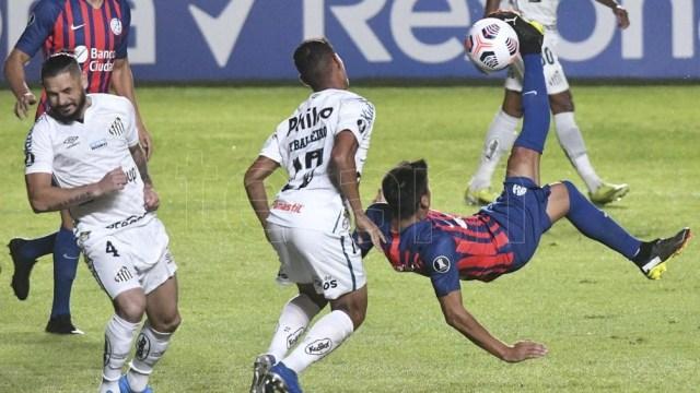 San Lorenzo vs. Santos (Foto de Archivo)