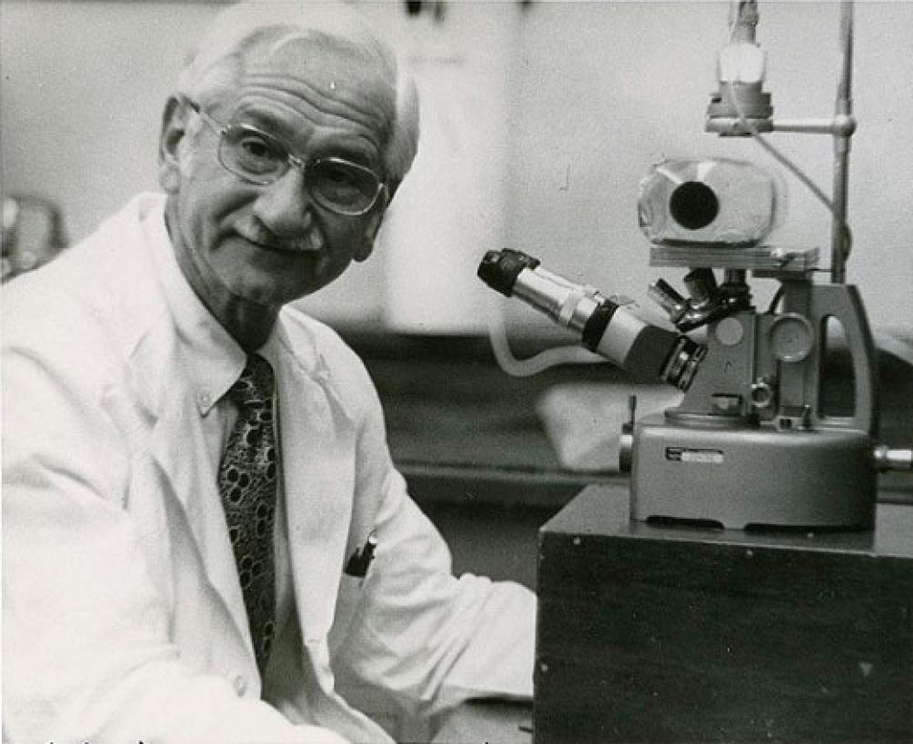 Albert Sabin, al igual que Salk, se graduó en la New York University.
