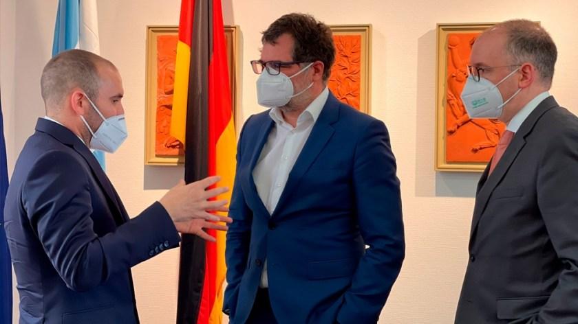 Guzmán se reunió con Wolfgand Schmidt, secretario de Finanzas alemán y Niels Annen, ministro de Asuntos Externos.