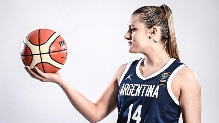 Flor Chagas actualmente juega en el USE Basket de la Lega, aunque su pase pertenece a Familia Schio