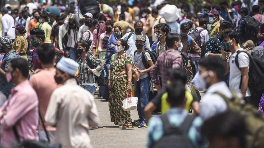 A pesar de que la amenaza del coronavirus es evidente, las poblaciones de muchas partes del mundo están cada vez más cansadas de las medidas contra el virus.