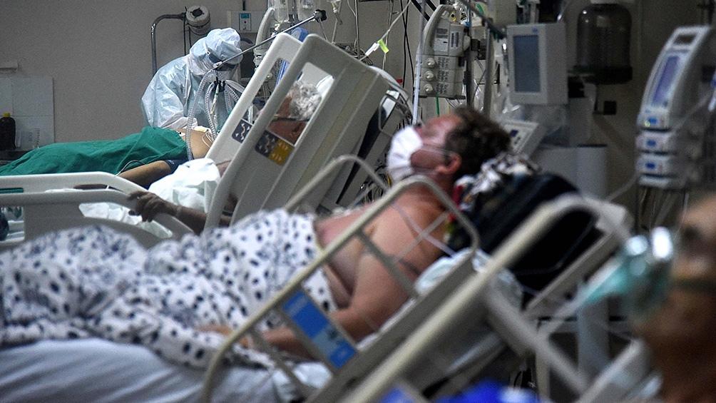 La ocupación de camas en unidades de terapia intensiva (UTI) en los hospitales de Paraguay llegó al 100%.