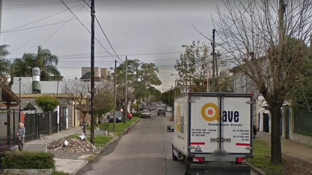 El hecho ocurrió este lunes a las 8.30 en Ombú 300, a dos cuadras de la comisaría de Villa Luzuriaga.