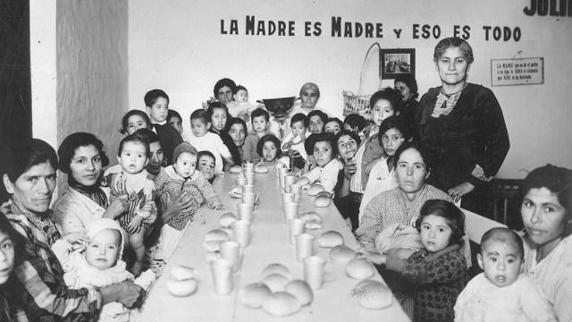 """""""Cantina maternal, Santiago del Estero, 1936"""". Archivo General de la Nación, Fondo Acervo Gráfico, Audiovisual y Sonoro"""
