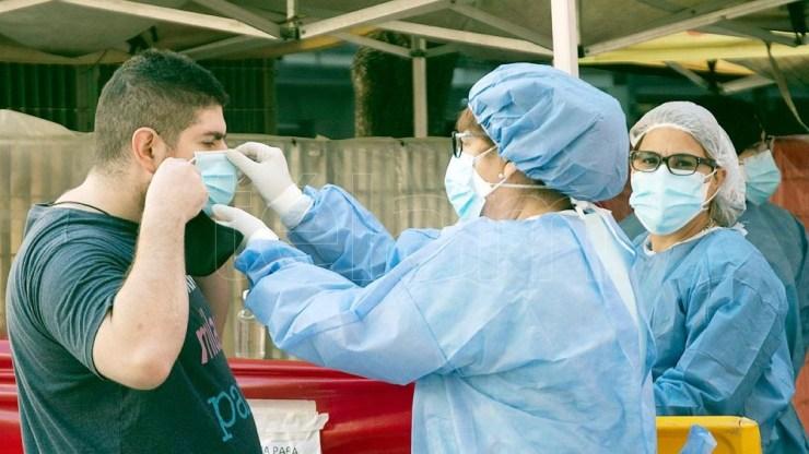 En la Argentina, hay 20 casos confirmados en la provincia de Córdoba y más de 800 personas aisladas preventivamente.