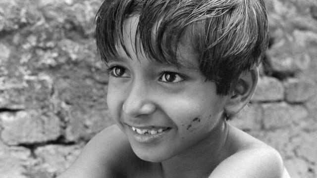 """""""Pather Panchali"""" formó parte de una trilogía, donde se narraban las desventuras de un niño en la década de 1920."""