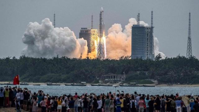 El cohete Larga Marcha 5B se puso en órbita el 29 de abril.
