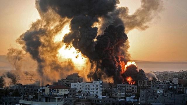 El conflicto ya dejó más de 60 muertos; es la peor escalada desde una gran ofensiva israelí en 2014.