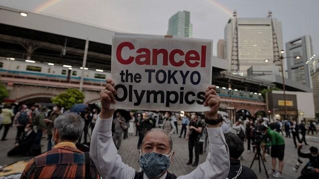 La semana pasada hubo una protesta en el centro de Tokio pidiendo la cancelación de los Juegos (AFP).