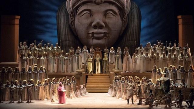 Aída, un clásico de Verdi, que fue la ópera con la que se inauguró el teatro.