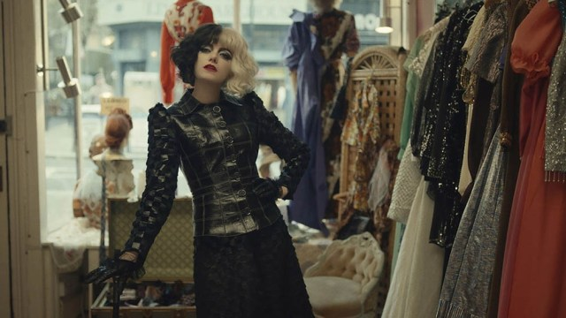 """""""Cruella"""", de Disney, protagonizada por Emma Stone y su antagonista Emma Thompson, ocupa el quinto lugar."""