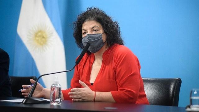 """La ministra Carla Vizzotti criticó """"las barreras legales, de producción y de inequidad en el acceso"""" a las vacunas."""