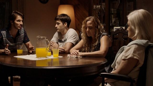 """La familia de """"Convaleciente""""reunida frente al tema del Alzheimer"""