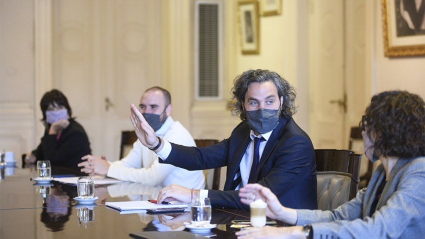Santiago Cafiero encabezó la reunión del Gabinete Económico.