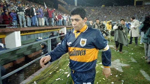 Maradona se fue expulsado frente a Vélez