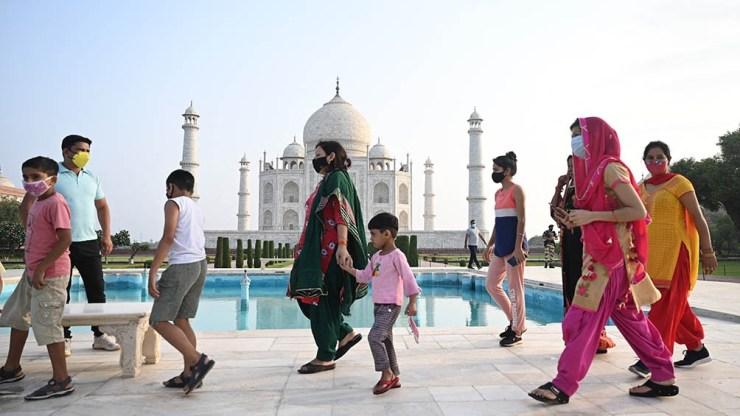 Desde el inicio de la pandemia, India registra 30,27 millones de casos y 396.730 muertos a causa de la enfermedad