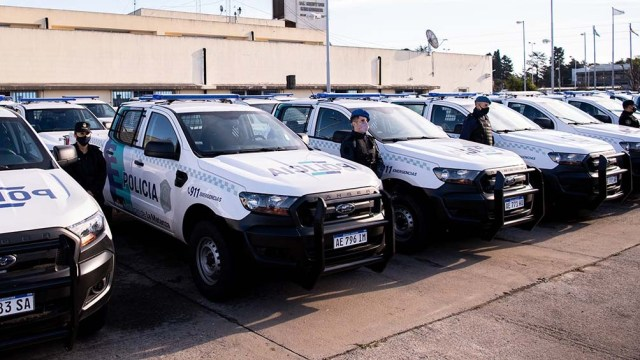 El gobernador bonaerense, Axel Kicillof, encabezó el acto de entrega de 120 patrulleros en La Matanza.
