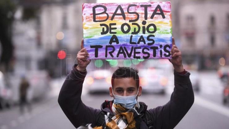 """Es la primera en incorporar la expresión """"transhomicidios"""", fue convocada por más de 30 organizaciones LGBTI+ con distintas consignas para denunciar y visibilizar los crímenes de odio."""