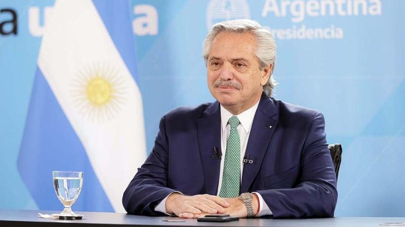 Fernández fue invitado por Macron a la apertura del foro.