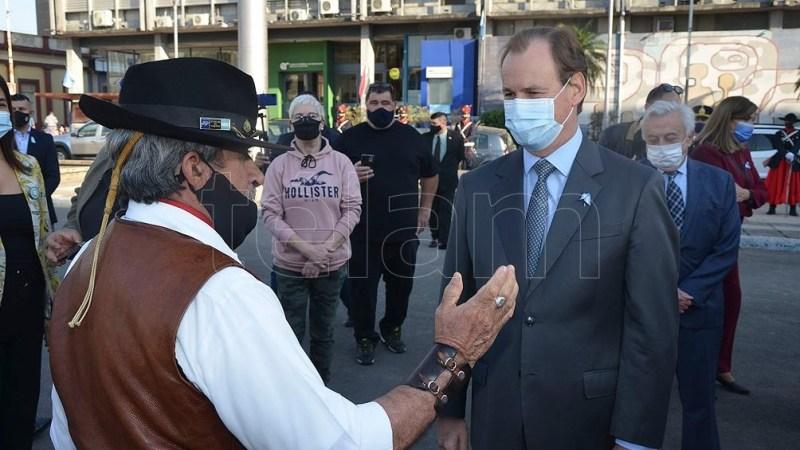 """La votación """"fortalece la democracia y es algo que todos los argentinos debemos conservar"""", dijo el gobernador Bordet tras emitir su voto."""