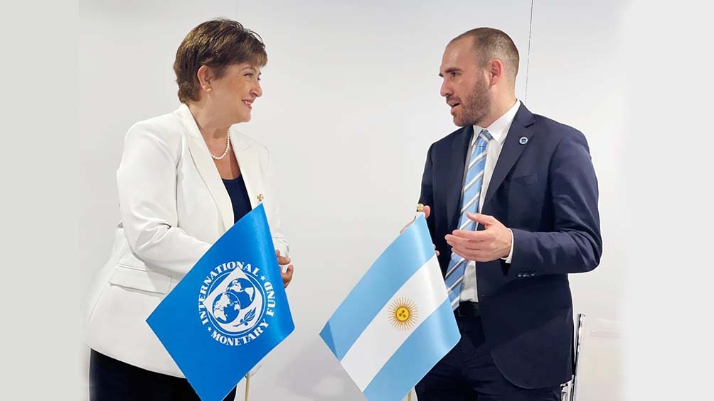 """Kristalina Georgieva consideró que """"la asignación es un gran estímulo para el mundo y, si se usa con prudencia, una oportunidad única para combatir esta crisis sin precedentes""""."""
