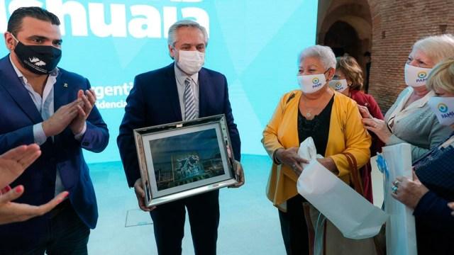 También se anunció la construcción en la ciudad de una residencia para adultos mayores.