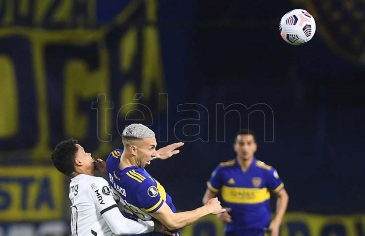 """A Briasco le cobraron una falta que no fue tal en el gol del """"Pulpo"""" González."""