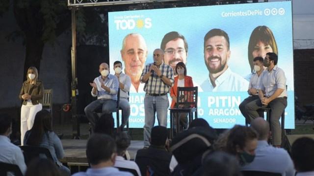 El Frente Corrientes de Todos presentó hoy sus candidatos para las elecciones provinciales del 29 de agosto.