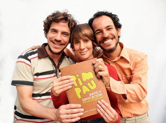 La agrupación argentino-brasileña Pim Pau, está integrada por Eva Harvez, Lucho Milocco y Cássio Carvalho.