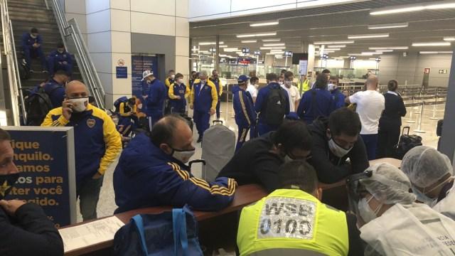 El fastidio se hizo presente en la delegación de Boca (Twitter: @bocajrsoficial).