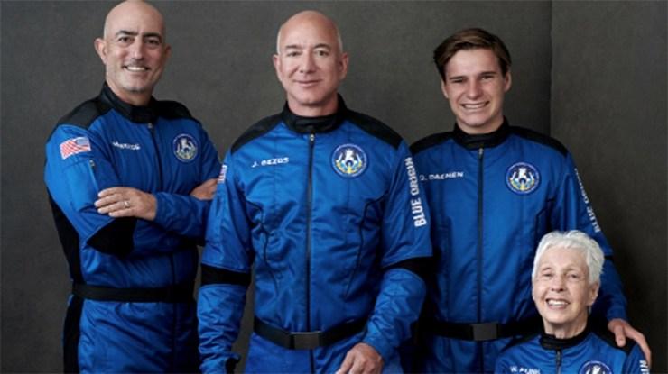 Jeff Bezos y la tripulación de la New Shepard viajaron al espacio el 20 de julio.
