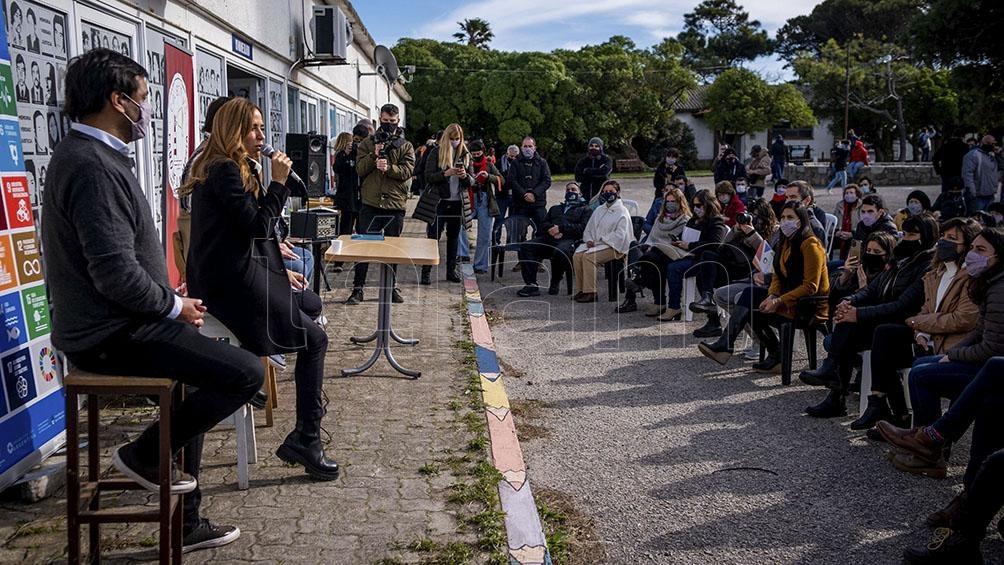 """""""No me baso en hipótesis. Soy parte de un equipo. El Frente de Todos es nuestro espacio"""", indicó Tolosa Paz al ser consultada por su propia candidatura. Foto: Diego Izquierdo"""