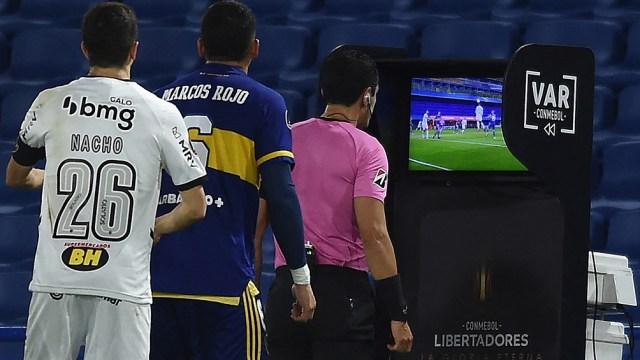 Polémica en el encuentro entre Boca y Atlético Mineiro de Brasil