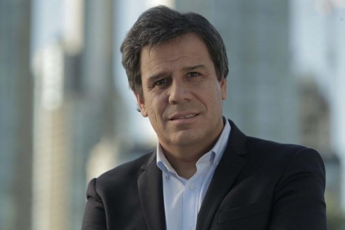 """Facundo Manes, el primer precandidato a diputado nacional por el espacio """"Dar el Paso"""", dijo que quiere """"intercambiar ideas"""" con su contrincante en la interna, Diego Santilli."""