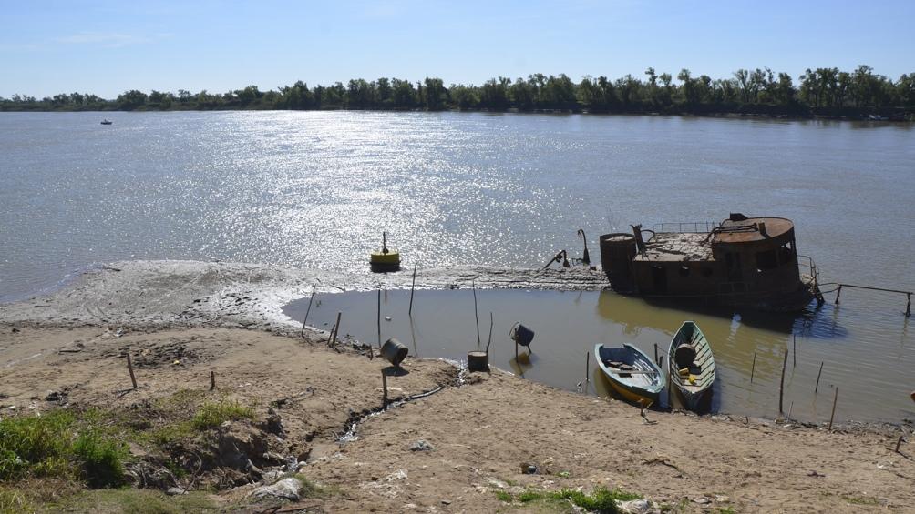 Esperan que el río siga bajando sus niveles, manteniéndose con alturas negativas en las ciudades de Diamante, La Paz, Victoria y Paraná al manos hasta octubre. Foto: Hernán Saravia.