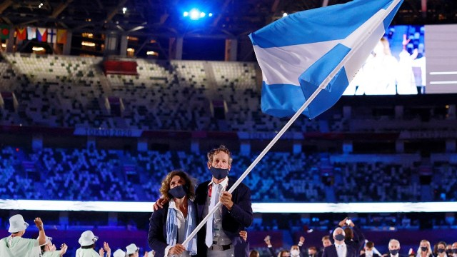 Lange y Carranza Saroli, los abanderados argentinos. Foto: AFP.