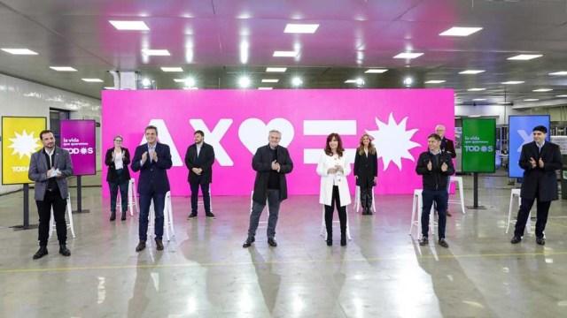 El acto está encabezado por el presidente Alberto Fernández y la vicepresidenta Cristina Fernández de Kirchner.
