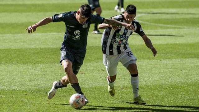 Con este triunfo, Central Córdoba llega a cuatro puntos mientras que Talleres sólo reunió tres en la misma cantidad de fechas.