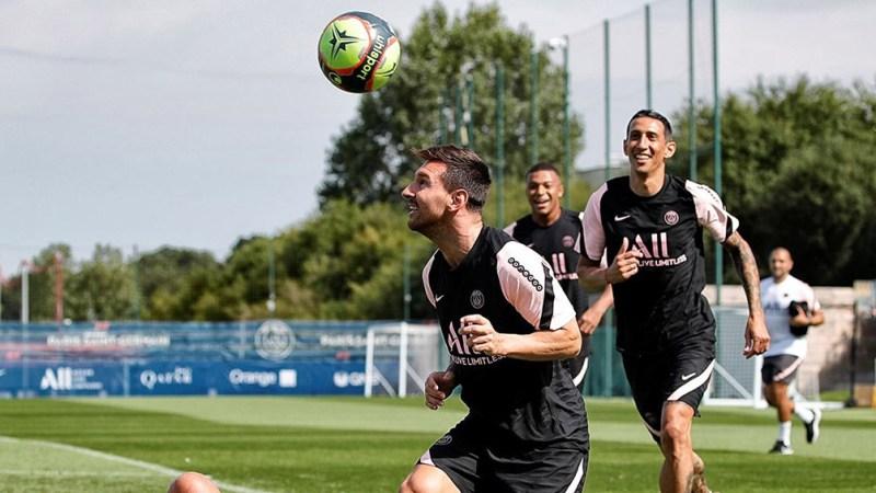 Messi en el entrenamiento de PSG.