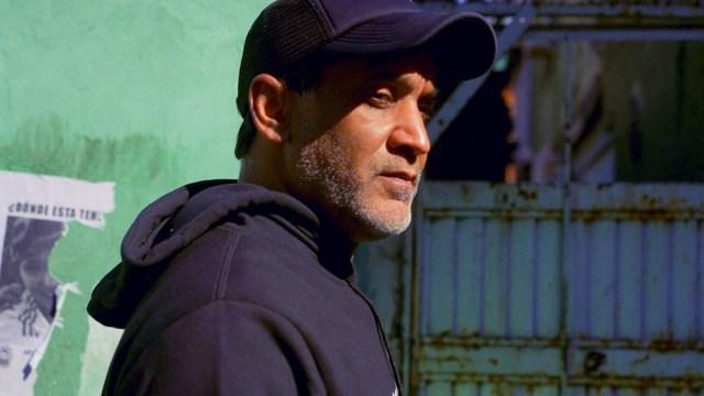 Diego Alonso, recorre la realidad de los barrios populares.