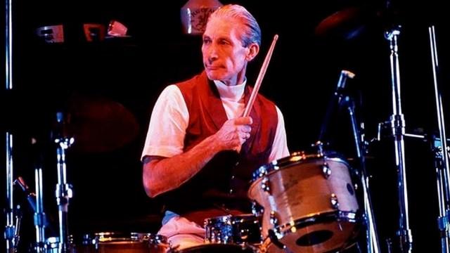Con su big band de 32 instrumentos graba el  primer disco de la Charlie Watts Orchestra. El debut fue todo lo jazzero que un Rolling Stone podría: Live at Fulham Town Hall