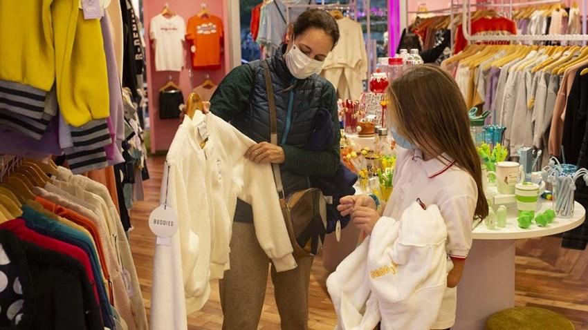 El crecimiento de las ventas no se da solamente en el área de alimentos sino también en los grandes Centros de Compras o shoppings. Foto: Victoria Gesualdi