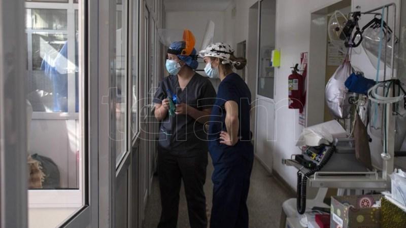 Actualmente, en todo el país, hay 1.829 los internados con coronavirus en unidades de terapia intensiva.
